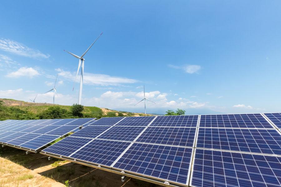 panele fotowoltaiczne i elektrownie wiatrowe