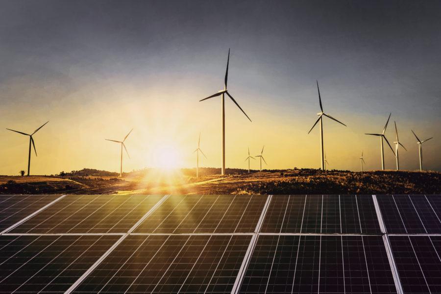 panele słoneczne i elektrownia wiatrowa